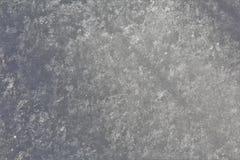 Un cierre encima de la macro de la nieve escarchada en un día frío en invierno Fotografía de archivo