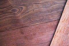 Un cierre encima de la sección del fondo rojo aromático de Cedar Lumber Wooden fotografía de archivo libre de regalías
