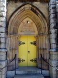 Un cierre para arriba de una puerta de la iglesia Foto de archivo