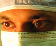 Un cirujano confidente Foto de archivo libre de regalías