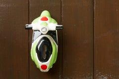 Un coche del juguete hizo el ‹del †del ‹del †de cerámica Fotos de archivo