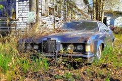 Un coche viejo de Aandoned Fotos de archivo