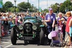 Un coche viejo en un carnaval Imagen de archivo