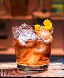Un cocktail à la barre Images libres de droits