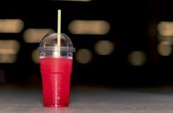 Un cocktail rouge Image libre de droits