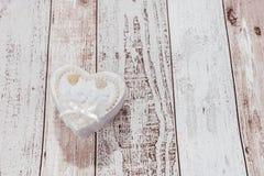 Un coeur avec l'amour de mot Photo stock