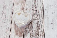 Un coeur avec l'amour de mot Image stock