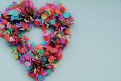Un coeur de confettis Photos stock