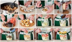 Un collage graduale di produrre insalata stratificata Immagine Stock