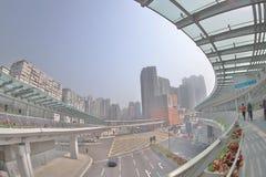 un collegamento moderno di cavalcavia dello staion ad ovest di kowloon immagini stock libere da diritti