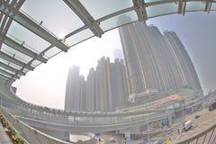 un collegamento moderno di cavalcavia dello staion ad ovest di kowloon immagine stock