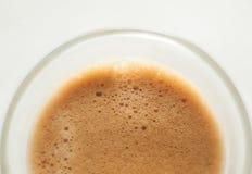 Un colpo di caffè espresso su una tavola Fotografie Stock