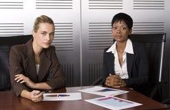 Un commercio delle due femmine (biondo) immagine stock libera da diritti