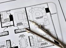Un compas sur le dessus de la résidence floorplan image libre de droits