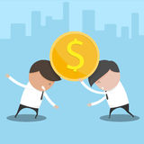 Un concetto dell'uomo d'affari due che prova a controllare un dollaro della moneta Fotografia Stock Libera da Diritti
