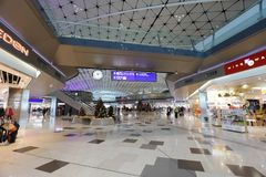 un concours de zone centrale à l'aéroport international du HK Images stock