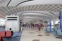 un concours de zone centrale à l'aéroport international du HK Photos libres de droits