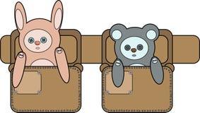 Un coniglietto del giocattolo e sopportare le borse sulla cinghia illustrazione di stock