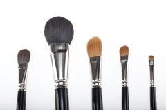 Un conjunto de 5 cepillos del maquillaje Fotos de archivo