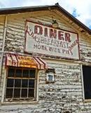 Un connecter un vieux wagon-restaurant délabré photographie stock libre de droits