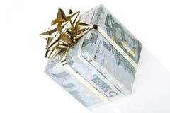 Un contenitore di regalo dell'euro 5 Immagini Stock