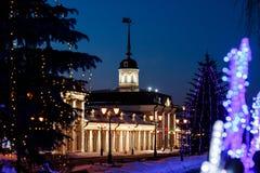Un cortile del cannone nell'ambito del regno del ` s del nuovo anno sul territorio del Cremlino di Kazan alla notte Fotografie Stock