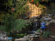 Un cortile Paradise di tranquillità fotografie stock libere da diritti