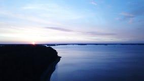 Un coucher du soleil d'awesom dans l'archipel par le poin de bourdons de la vue le golfe de Finlande image stock