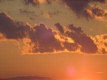 Un coucher du soleil dans l'archipel par le golfe de Finlande photos stock