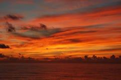 Un coucher du soleil des Caraïbes Image stock
