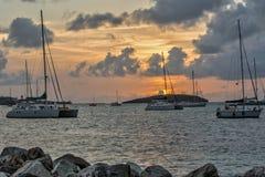 Un coucher du soleil français d'île images stock