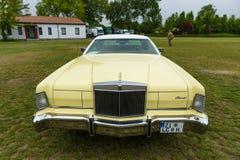 Un coupé de luxe personnel à deux portes Lincoln Continental Mark IV photographie stock libre de droits