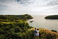 Un couple dans l'amour voyageant le monde Image libre de droits