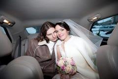 Un couple dans le véhicule Image stock