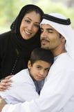 Un couple du Moyen-Orient et leur fils Photo stock