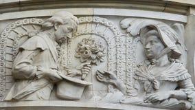 Un couple, hall de ville nouvelle de Hannovre, Allemagne Images libres de droits