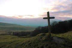 Un courrier de signe cruciforme dans un domaine Images stock