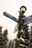 Un courrier de signe dans Vail, le Colorado pendant l'hiver photographie stock