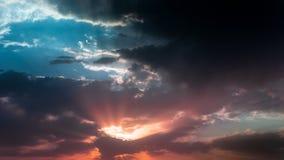 Un crépuscule nuageux Image stock