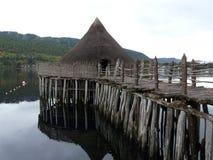 Un Crannog en el lago Tay imagen de archivo libre de regalías