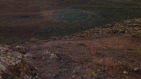 Un cratere su Montana Roja, Lanzarote, isole Canarie fotografia stock libera da diritti