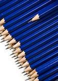 Un crayon restant à l'extérieur Image libre de droits