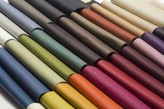 Un cuir de bonne qualité dans diverses couleurs Photographie stock libre de droits