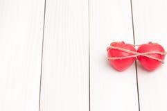 Un cuore di due colori rossi Immagini Stock Libere da Diritti