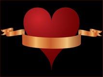 Un cuore di vettore con il nastro dell'oro royalty illustrazione gratis