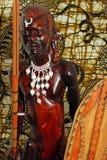 Guerrier africain (découpage en bois) Photographie stock