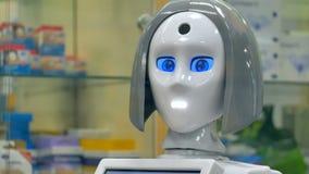 Un déplacement principal complètement assemblé de robots banque de vidéos