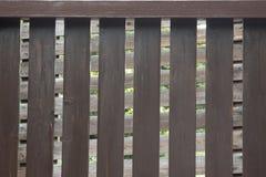 Un détail d'une barrière impeccable en bois de pâle images libres de droits