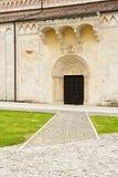 Un détail de la cathédrale de Spilimbergo, une petite ville dans Eas du nord photos stock