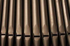 Un détail des tuyaux d'organe d'église image stock